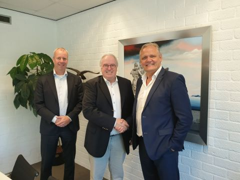 Pitteloo Capital lijft MixCom Media Group in